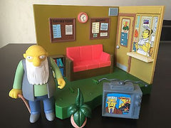 "Simpsons (TV) – World of Springfield – Wave 8 – Springfield Retirement Castle Environment Playset with Interactive 5"" Jasper Figure"