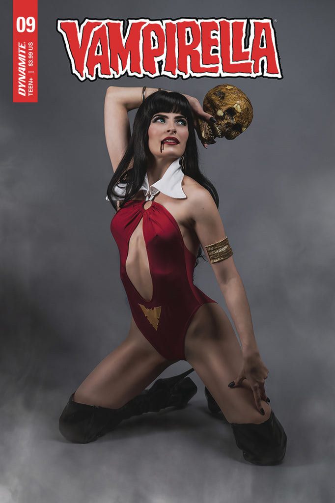 "Vampirella Volume 5 (2019 series) #9 (Variant ""E"" Cosplay Cover - Photo)"