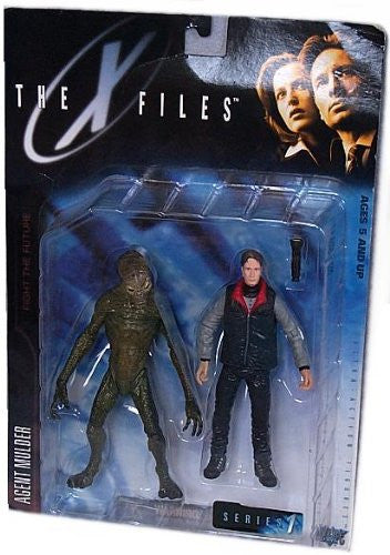 "X-Files: Fight the Future (Film) – Series 1 – Agent Fox Mulder 6"" Figure with Alien 6"" Figure"