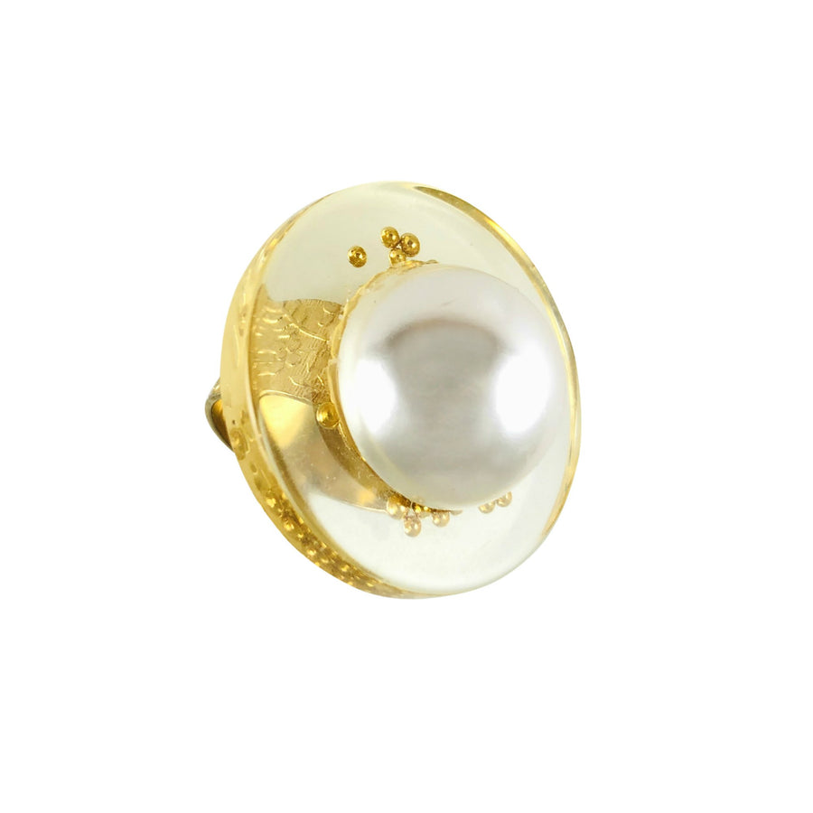 MizDragonfly Jewerly Vintage Lucite Pearl Juno Gold Band Ring Right Angle