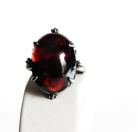 Garnet Ring - Aranwen's Jewelry  - 2