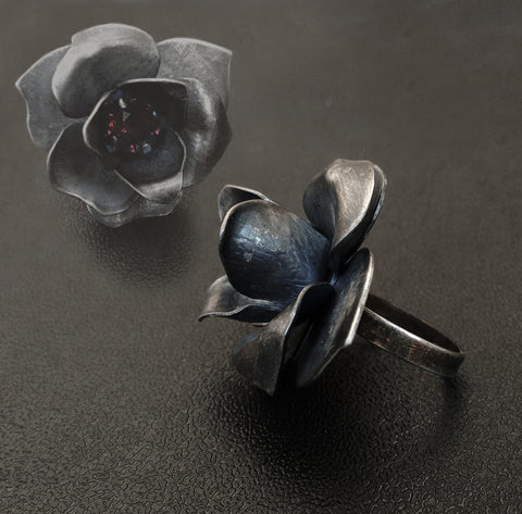 Black Rose Ring and Necklace Set