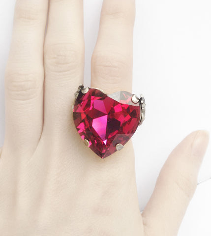 Valkyries Heart Ring - Aranwen's Jewelry  - 4