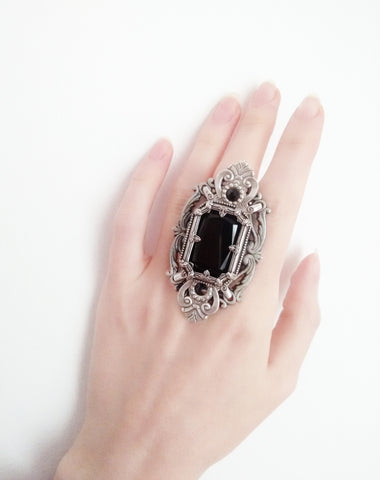 Grand Gothic Ring