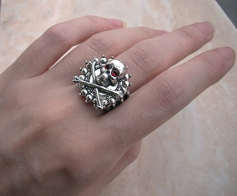 Gothic Silver Skull Ring - Aranwen's Jewelry  - 3