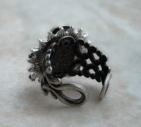 Gothic Silver Skull Ring - Aranwen's Jewelry  - 2