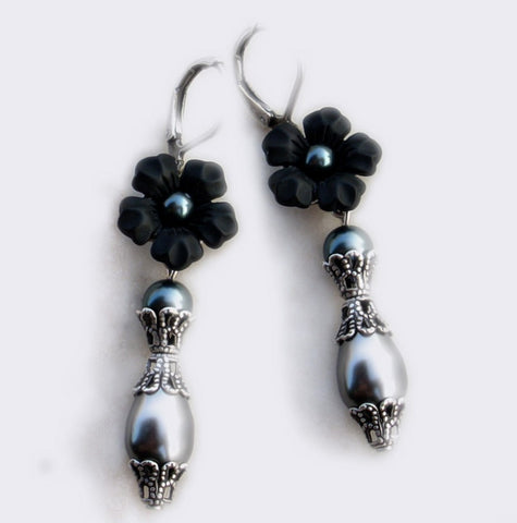 Black Pearl Earrings with Lucite Flowers - Aranwen's Jewelry  - 2