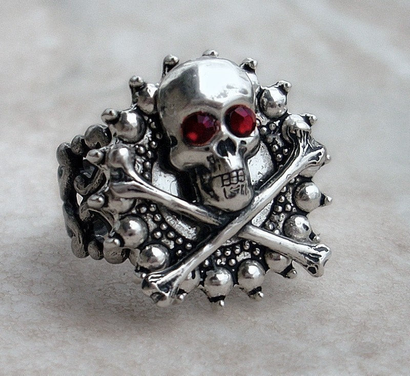 Gothic Silver Skull Ring - Aranwen's Jewelry  - 1