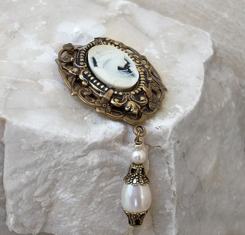 Brass Brooch with White Cameo and Pearls - Aranwen's Jewelry  - 2