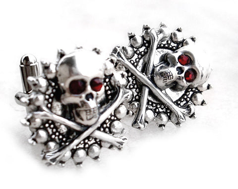 Gothic Silver Skull Ring - Aranwen's Jewelry  - 4