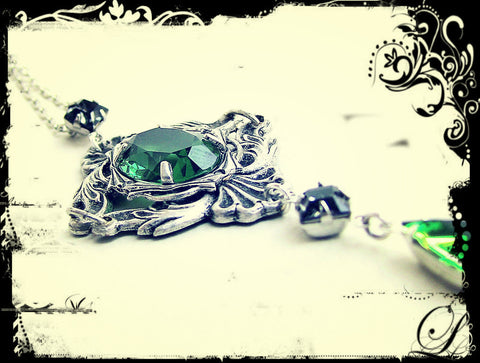 Green Gothic Necklace with Swarovski Crystal Rhinestones - Aranwen's Jewelry  - 2