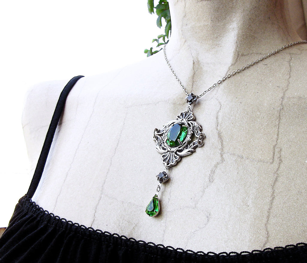 Green Gothic Necklace with Swarovski Crystal Rhinestones - Aranwen's Jewelry  - 1