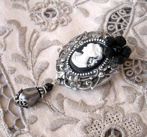 Black Cameo Brooch Pin - Aranwen's Jewelry  - 2