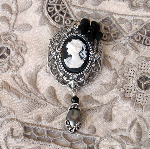 Black Cameo Brooch Pin - Aranwen's Jewelry  - 3