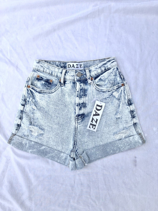 Dad's Girl High Rise Cuffed Shorts: Light Wash