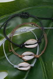 Single Puka Shell Bracelet