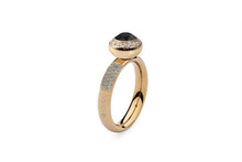 Qudo Gold Deluxe Ring with Tondo Deluxe Top