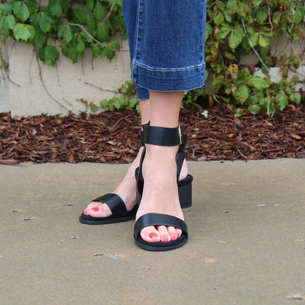 Qupid Doria Sandal - Black