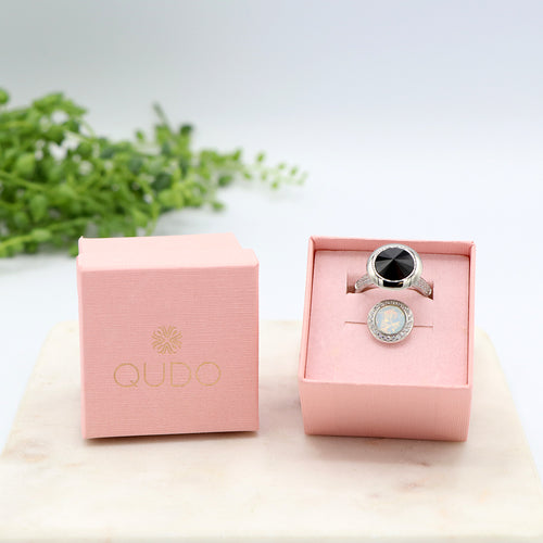 Qudo Black and White Ring Gift Set