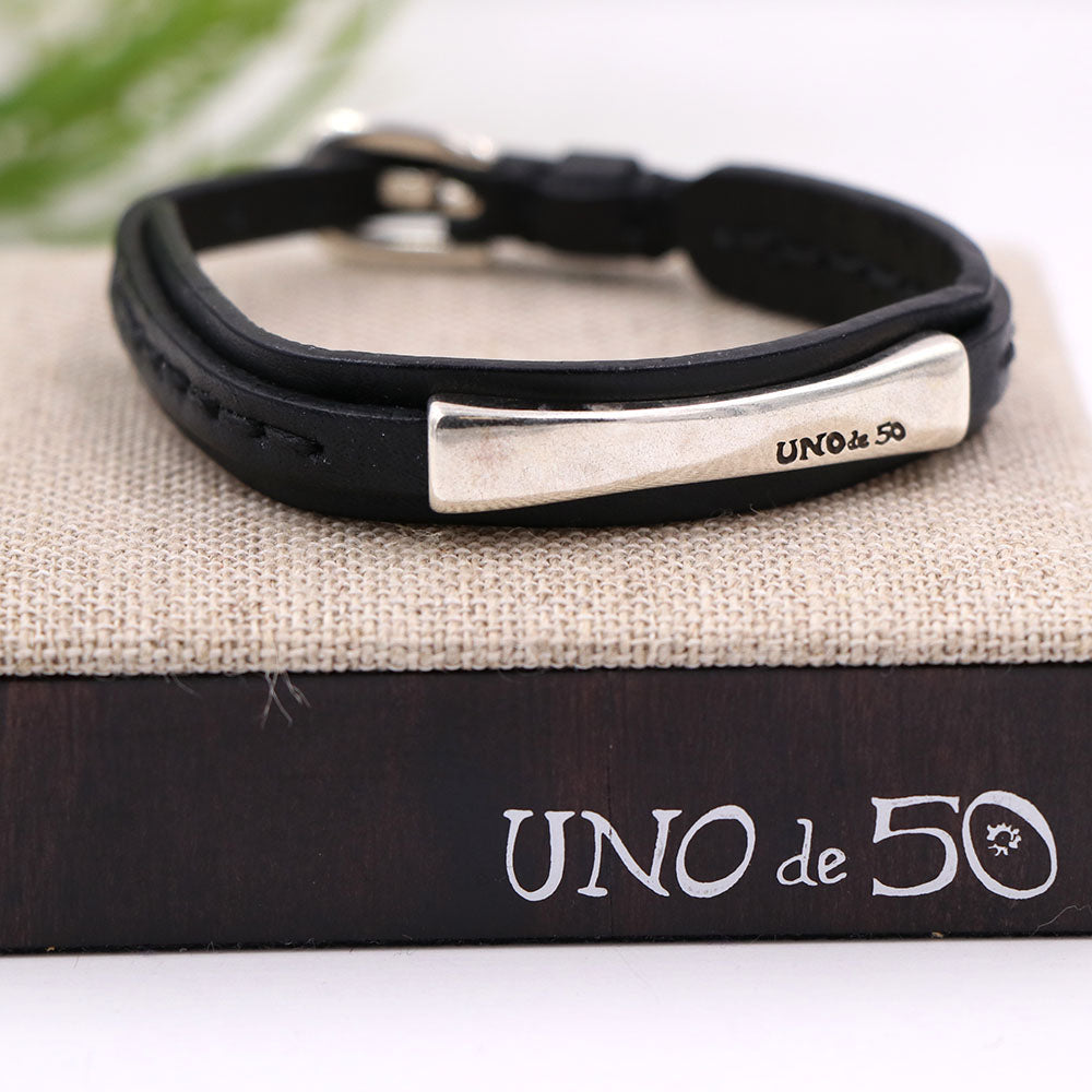 Unode50 Seatbelt On Bracelet