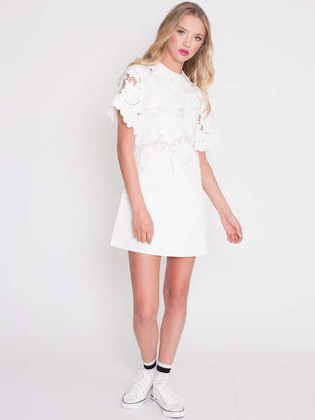 Dahlia Joni White Shift Dress with Decorative Embroidered Flowers