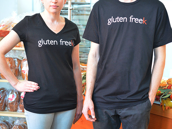 mariposa baking gluten freek t-shirt