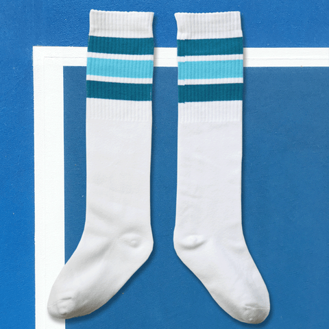 we are kin knee sock in white/blues