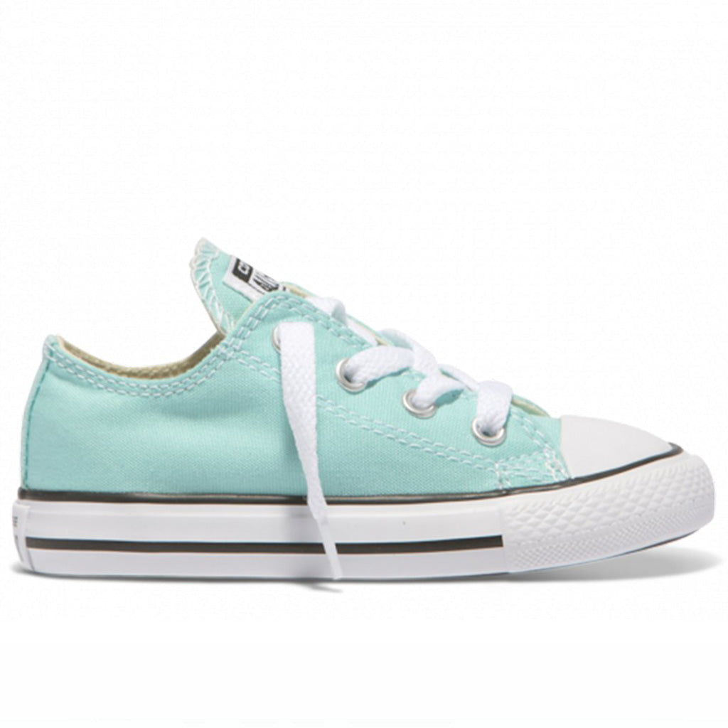 Chuck Taylor All Star Low Tops in Aqua