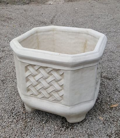 Square Lattice Pot
