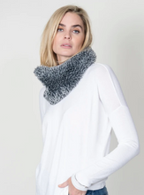 Load image into Gallery viewer, DYLAN Knitted Fur Scarf