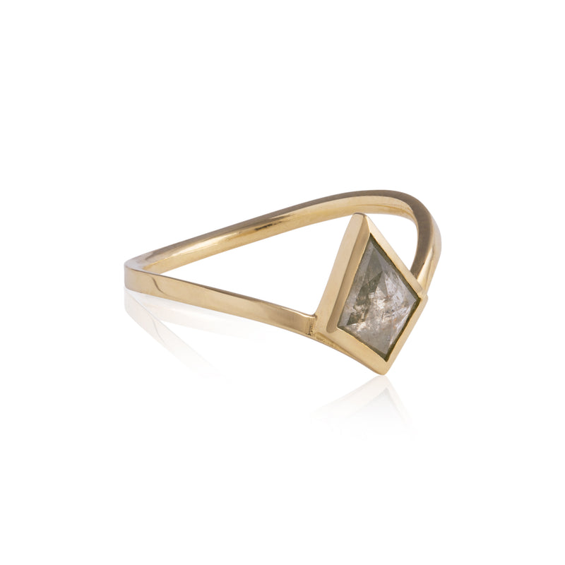 18ct Gold Diamond Kite Ring