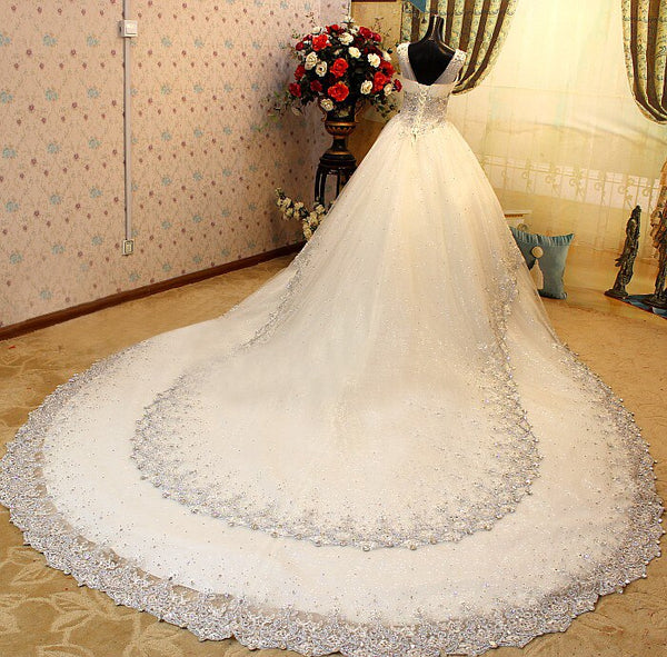 New Fashion Luxury Crystal Beaded Wedding Dress 2017 Great Train V-Neck Wedding Gown Appliques Vestido De Noiva Hot Sale