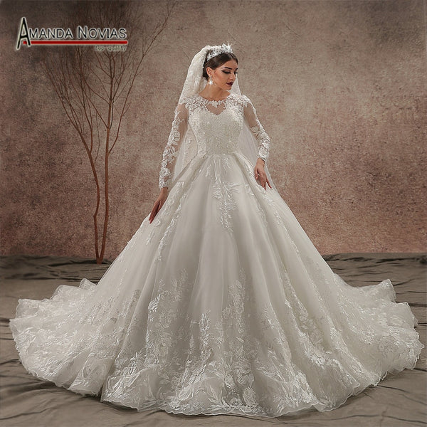 Luxury Model Long Train 2019 Long Sleeve Wedding Dress New NS3440