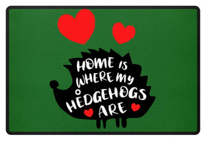 Weißbauchigel | Home Is Where My Hedgehogs Are | Fußmatte in Kelly Green in Größe 60x40cm