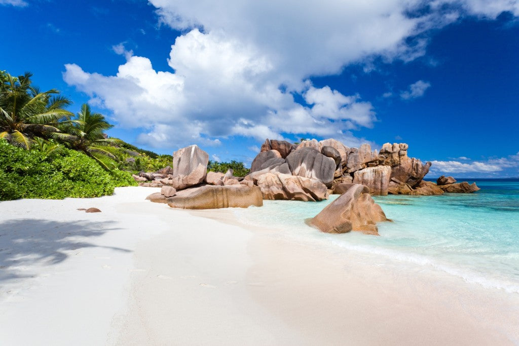 coco-beach-la-digue-seychelles