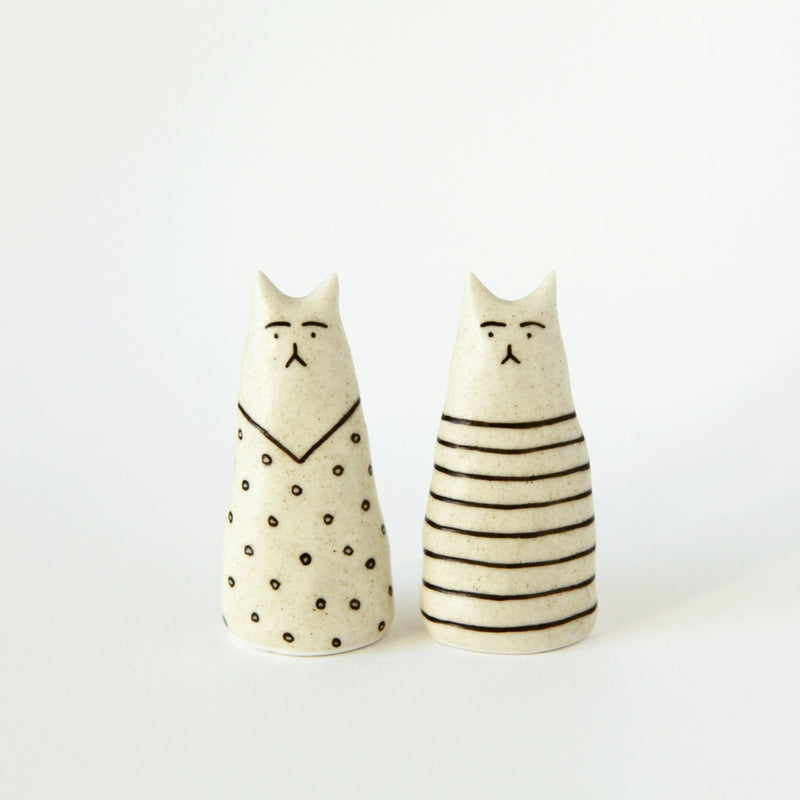 Ceramic Cat Figurines Set of 2 - shopdaymoments