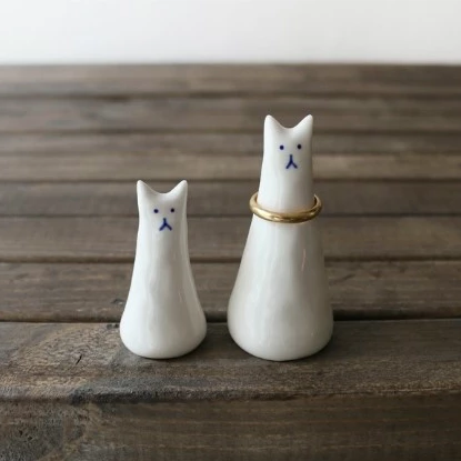 White Cat Ring Holders - shopdaymoments