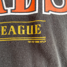 Load image into Gallery viewer, Vintage 1999 Cincinnati Bengals TSHIRT - L/XL