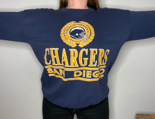 Load image into Gallery viewer, Vintage Late 80s / Early 90s San Diego Chargers Crew from Logo 7 - L
