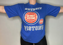 Load image into Gallery viewer, Vintage 1995 Detroit Pistons Old Logo TSHIRT - M