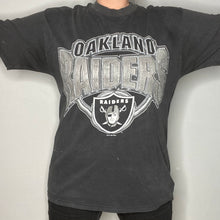 Load image into Gallery viewer, Vintage 1996 Oakland Raiders TSHIRT - L