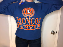 Load image into Gallery viewer, Vintage late 80s-early 90s Denver Broncos Logo 7 Old Logo Crew - M