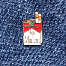 Load image into Gallery viewer, MARLBORO PACK 80'S PIN