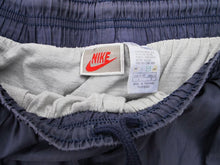 Load image into Gallery viewer, NIKE INTERNATIONAL 90'S SHORTS