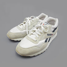 Load image into Gallery viewer, REEBOK 90'S DEADSTOCK TRAINERS