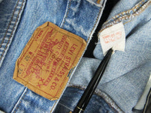 Load image into Gallery viewer, LEVI'S 501 70'S DENIM JEANS W31 L29
