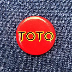 TOTO 80'S PIN BADGE