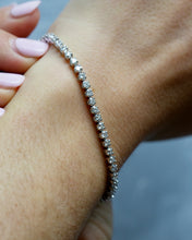 Load image into Gallery viewer, Round Diamond Tennis Bracelet