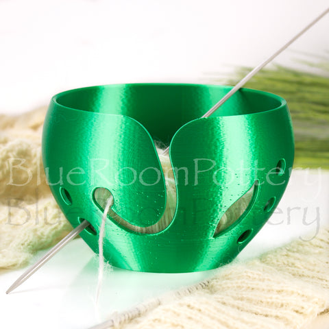 Emerald Green Yarn bowl w/ leaf, Regular Travel Knitting Bowl, 3D printed eco friendly plastic Crochet bowl
