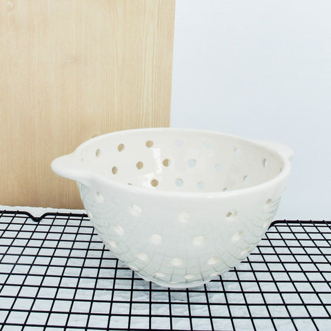 White Modern Minimal Colander with Handles, Pottery Ceramic Berry Bowl Strainer